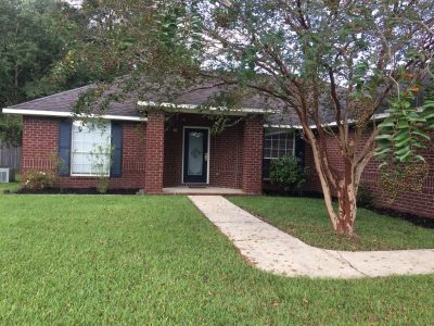 Beautiful 3/2 For Sale By Owner in Pace, FL