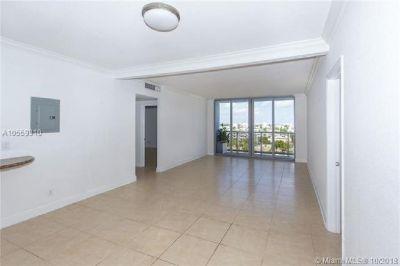 Miami Beach: 2/2 Renovated apartment (69 th St., 33141)