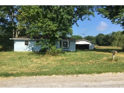 2 Bed 1.0 Bath Preforeclosure Property in Bicknell, IN 47512 - Maryland St