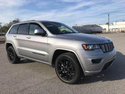 2018 Jeep Grand Cherokee ALTITUDE 4X2 (Billet Silver)