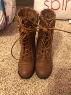 Combat style boots size 10 worn 1 time