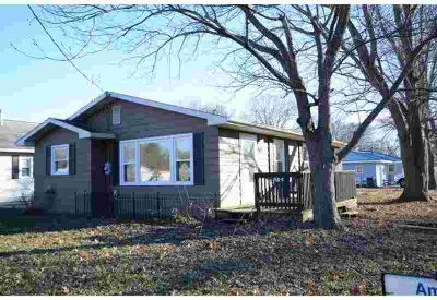 202 S Crowder Street Bethany Three BR, Cute home in small town!