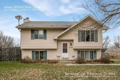 Spacious 3 Bedroom, 2 Bath Home in Des Moines