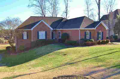 750 Oak Chase Blvd Lenoir City Five BR, All brick 4227 bsm ranch