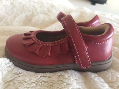 Red leather Mary Jane shoes never worn size 5