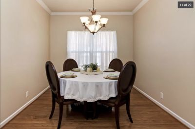 Dining Room Pedestal Table & Six Chairs