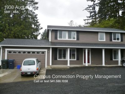 HUGE, newer East Campus 5 bed/3.5 bath house with double car garage - available now!