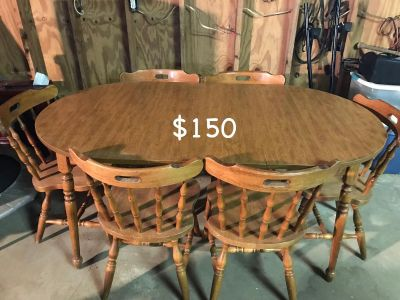 VERY STURDY DINING TABLE WITH 6 CHAIRS