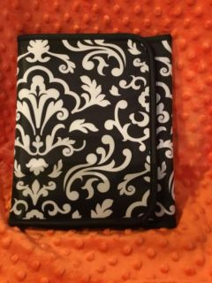 New Thirty-one Fold-And-Go Organizer with Notepad. can use with Tablet, IPad, etc. Above Landa Park