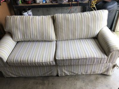 Couch American Signature