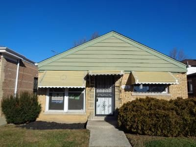 3 Bed 1 Bath Foreclosure Property in Chicago, IL 60643 - W 108th St
