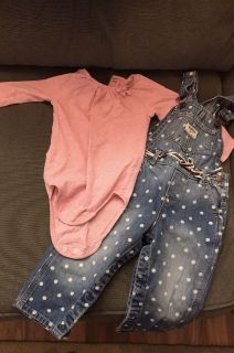Adorable OshKosh outfit, Like new 18 month
