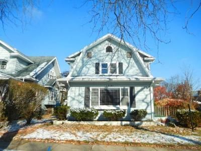 3 Bed 1.5 Bath Foreclosure Property in Lansing, MI 48912 - Prospect St