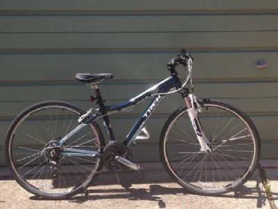 $450 OBO TREK Neko WSD 16 Nautica Woman's Bike