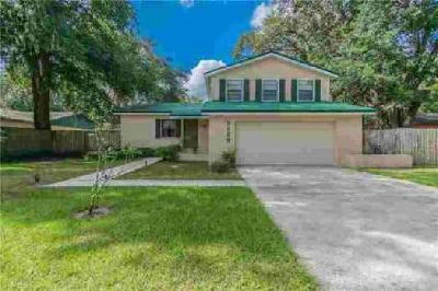 3228 Las Brisas Drive Riverview, This Three BR/2.5 BA home is a