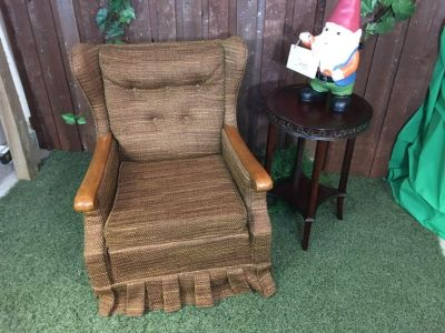 Awesome Classic Retro Wingback Chair in excellent condition.