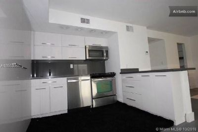 Miami Beach: 0/1 Nice studio (Lincoln Rd., 33139)