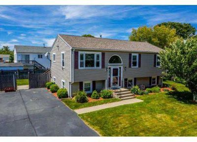 74 Angelica Ave NEW BEDFORD Three BR, This well cared for Raised