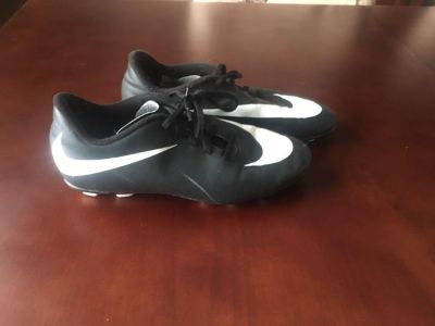 Nike soccer cleats size 5.5