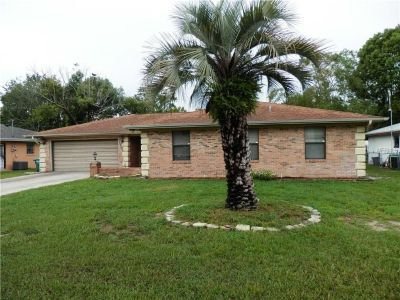 Move-in ready & well maintained home close to Publix supermarket and other stores.