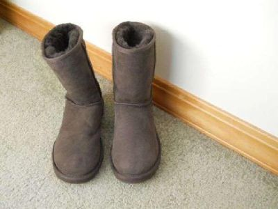 $75 UGG boots size 5 (New) (Boise/McCall)