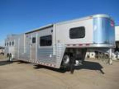 2009 Hart Hart 4 Horse 13' Outlaw with 4 horses