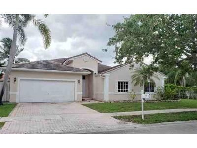 3 Bed 3 Bath Foreclosure Property in Hollywood, FL 33029 - SW 185th Ter