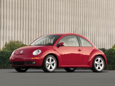 2010 Volkswagen New Beetle Base PZEV ()
