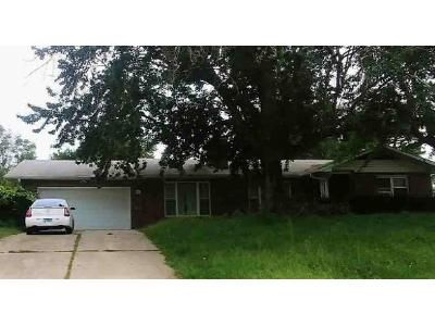 3 Bed 2 Bath Foreclosure Property in Belleville, IL 62223 - N 74th St