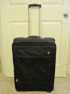 Victorinox Luggage Mobilizer 24 Expandable Wheeled Upright