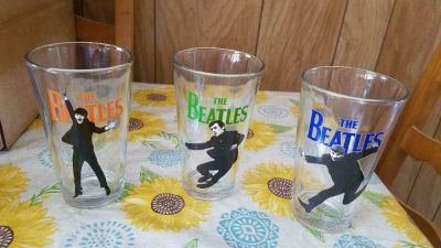 3 BEATLES Pint Size Glassware! Paul, George, Ringo (John is missing) Pose is full body