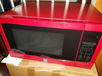 Large / Red / Kenmore Carousel Microwave