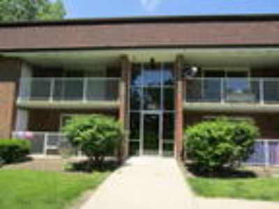 Available Property in SCHAUMBURG, IL