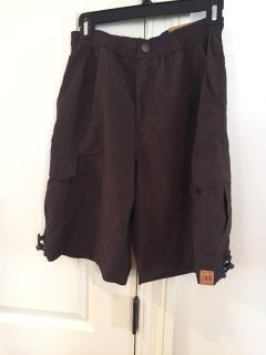 NEW With Tags Boy s Cargo Shorts Size Large (14/16)