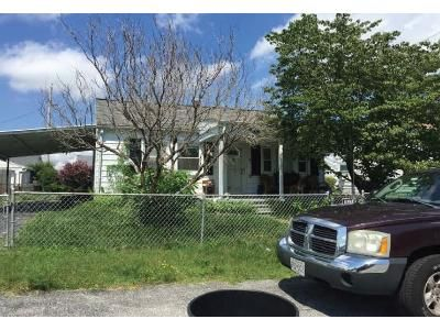 2 Bed 1 Bath Foreclosure Property in Middle River, MD 21220 - Chandelle Rd