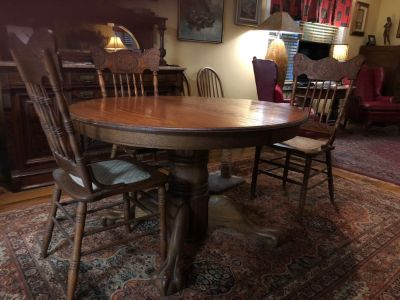 Solid Oak Dining Table with Leaf and 4 chairs