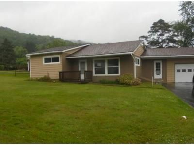 3 Bed 1 Bath Foreclosure Property in Bradford, PA 16701 - Chris Dr