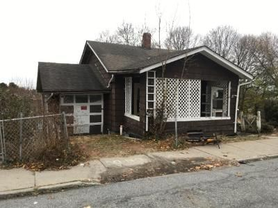 2 Bed 1 Bath Foreclosure Property in Middletown, NY 10940 - Beacon St