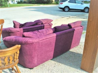 SOFA & LOVESEAT (moving must sell)