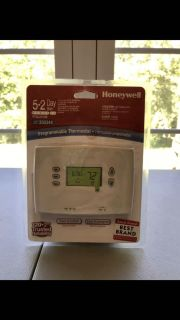 Brand New Honeywell 5-2 Day Programmable Thermostat