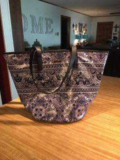 Adorable sturdy vinyl bag by Sonora satin lined snap closure two inside pockets