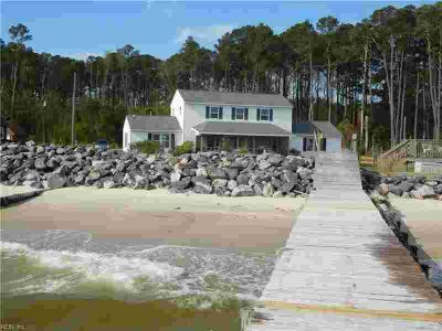 132 Mad Calf LN Mathews County Three BR, Bayfront and your own