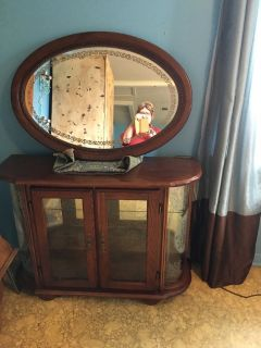 Curio cabinet 13x41 lights in side with mirror