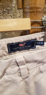 Vineyard Vines Men's Khaki Pants 32 x 32. Slim Fit Breaker Pant. Retailed for $98.50. No Stains or Holes. Comes From Smoke & Pet Free Home.