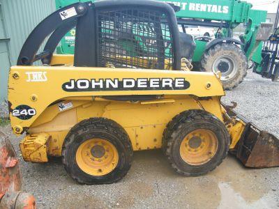 2001 John Deere Construction 240-HCE