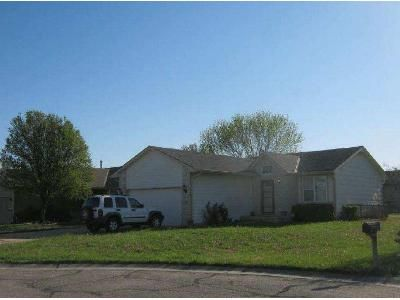 2 Bed 1 Bath Foreclosure Property in Wichita, KS 67207 - S Honeytree Cir