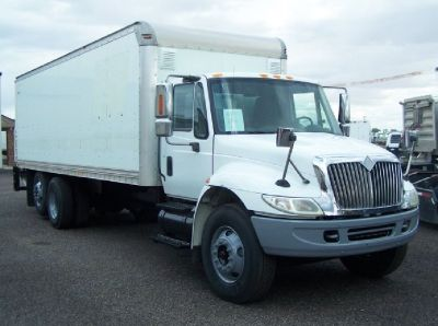 2005 International 4400 Box Truck *41 K GVWR*