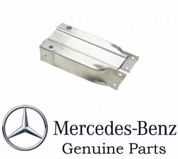 Sell Mercedes W204 C300 C350 GENUINE Front Right Bumper Support Bracket 2046200995 motorcycle in Stockton, California, United States, for US $189.95