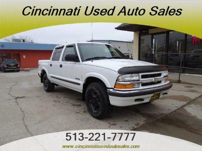 2002 Chevrolet S-10 LS (Summit White)