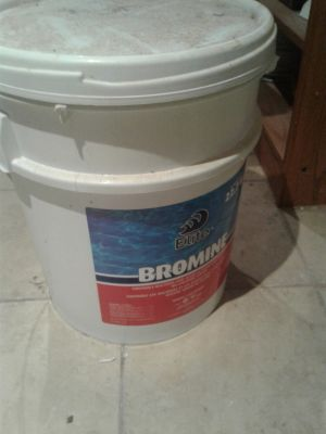 Pool/hot tub bromine